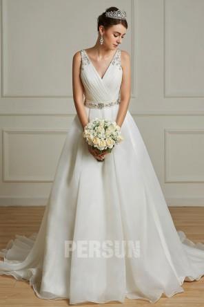 Lucie : Moderne robe de mariée cache coeur V à ceinture brodée de bijoux