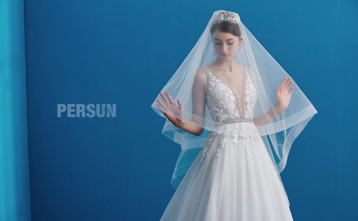 Romantique robe de mariée 2019 col V appliqué de dentelle guipure