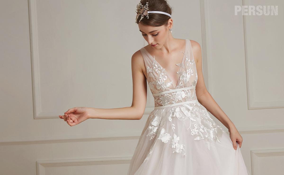robe de mariée 2019 rose pale appliqué de dentelle guipure col en V