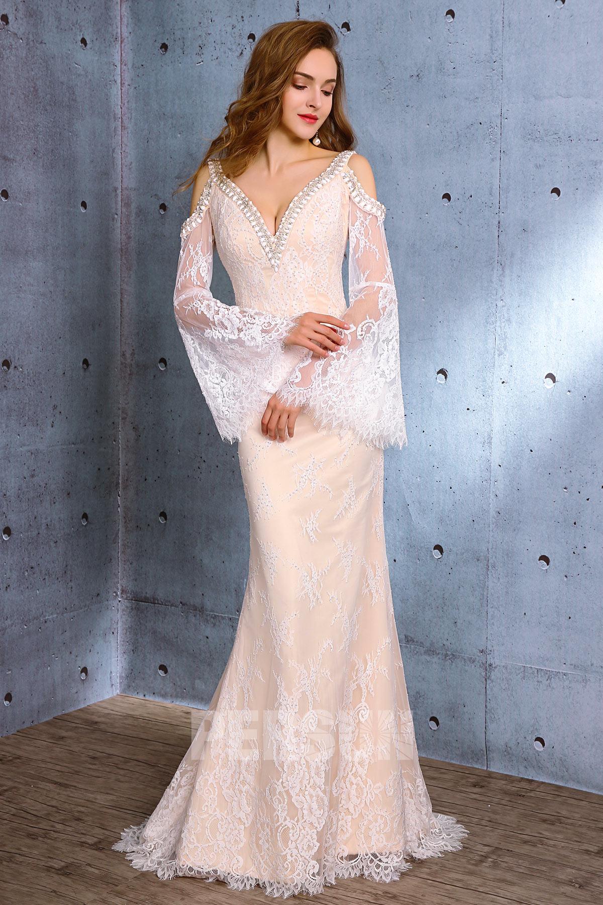 robe mariée sirène champagne claire col v épaule dégagée avec manche longue évasée en dentelle florale