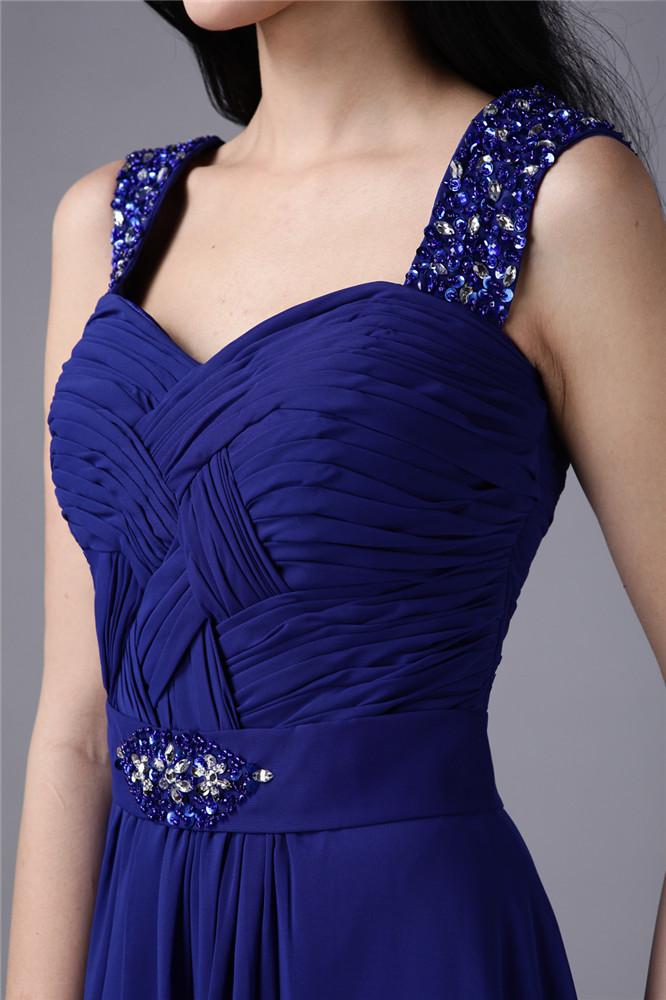 robe longue de soirée décolleté coeur avec bretelles plissée &parée de bijoux  pour mariage
