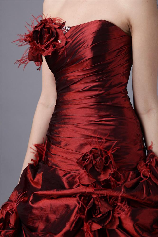 robe de princesse bordeaux appliquée des fleurs fait-main