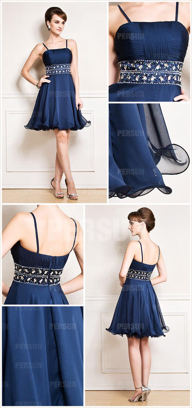 mini robe de soirée bleu avec bretelle fine orné de strass sur la taille