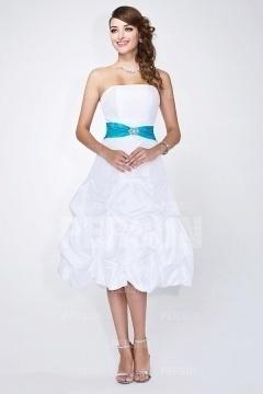 Robe blanche mi-longue pour demoiselle d'honneur