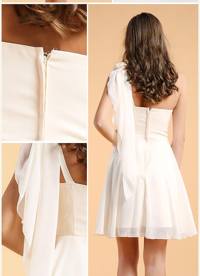 petite robe moussseline blanche asymétrique