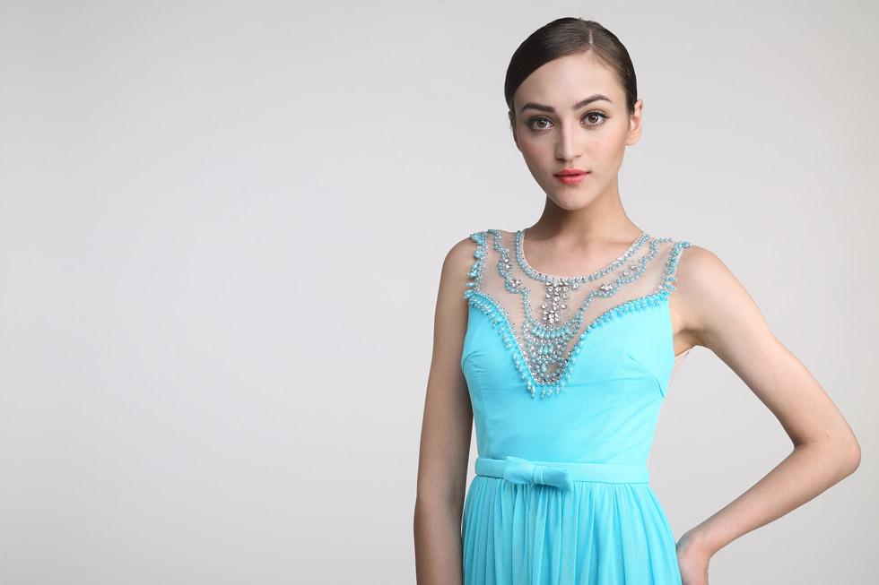robe de cérémonie turquoise longue encolure illusion