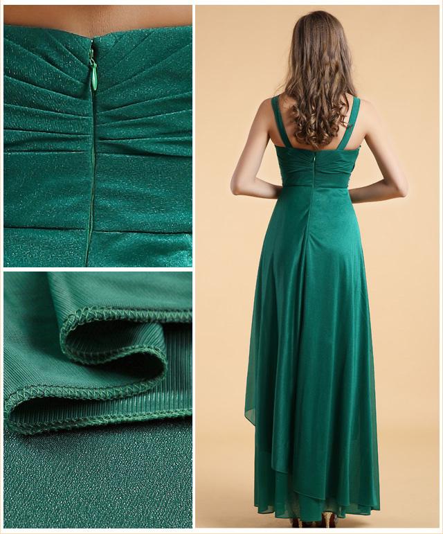 tenue tendance en vert émeraude avec bijoux