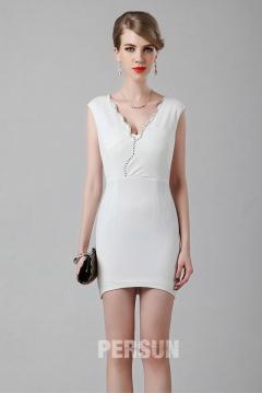 Simple mini robe à col V