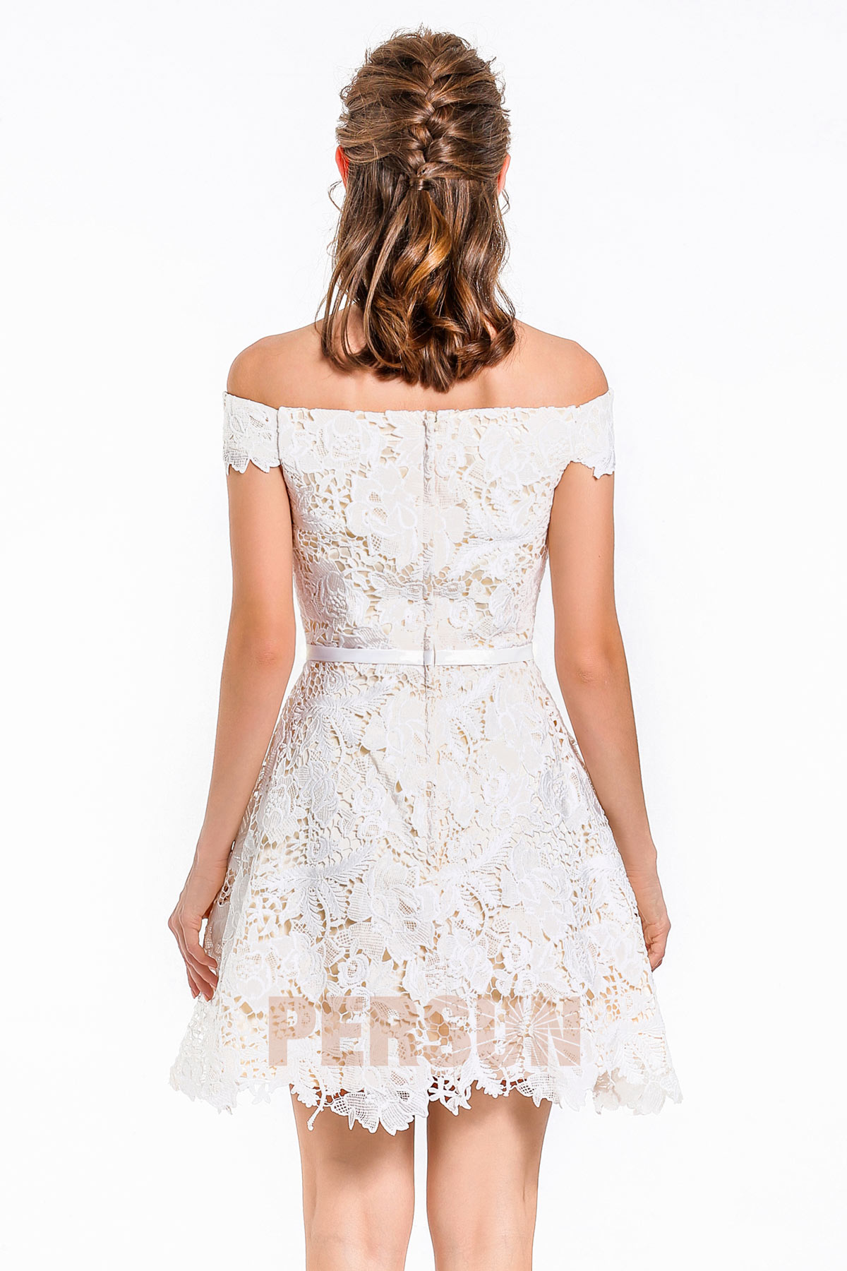 Chic robe mini épaule dégagée en dentelle & taille cintrée