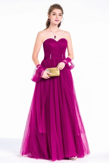 13635bd9608 Robe de soirée tulle bourgogne coupe princesse bustier coeur ...