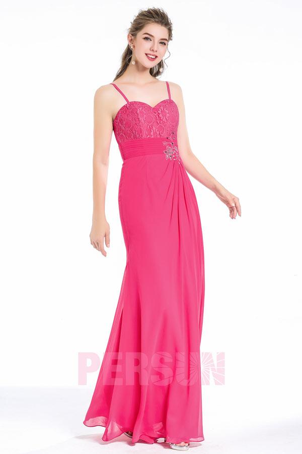robe de soirée longue fuchsia haut brodé floral taille ornée de strass avec bretelle spaghetti