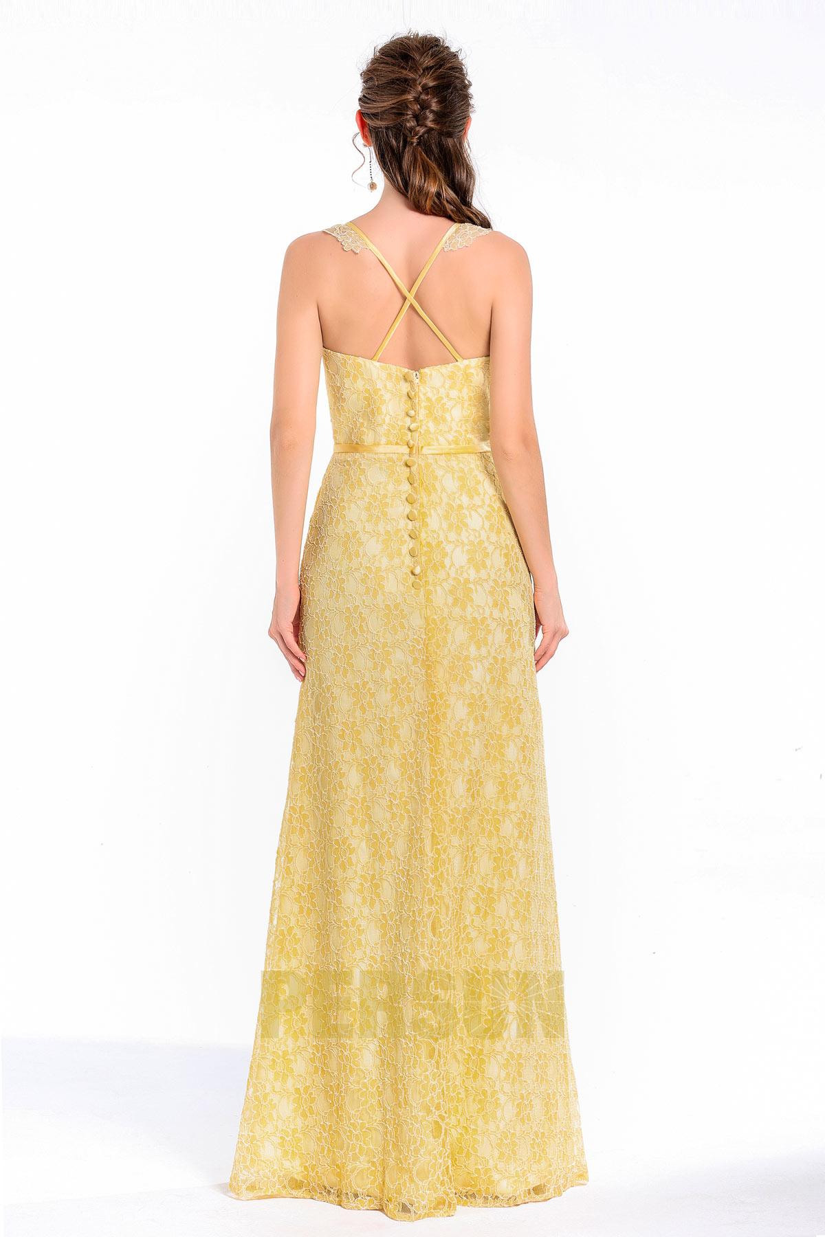 Femme robe jaune encoulre carrée aux bretelles fines en dentelle pour cérémonie