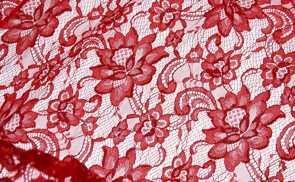 tendance dentelle florale rouge