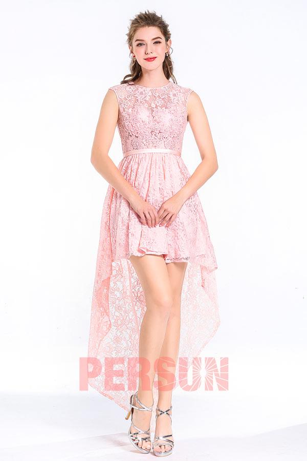 robe courte devant longue derrière rose col halter en dentelle brodée de fleurs