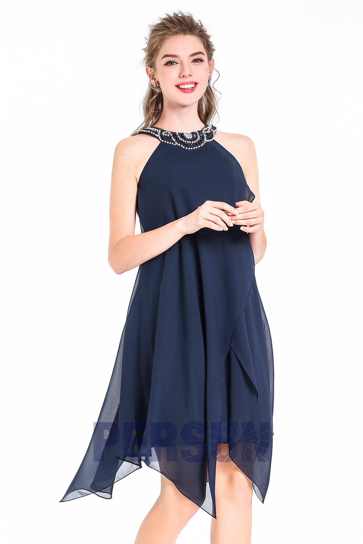 Robe de cocktail courte bleue marine