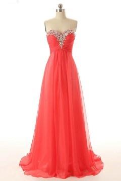 Robe chic rouge soirée longue bustier coeur orné de strass