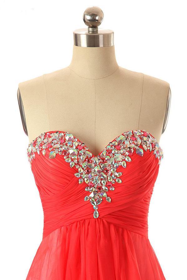 Robe chic rouge soirée bustier coeur brodée de sequin