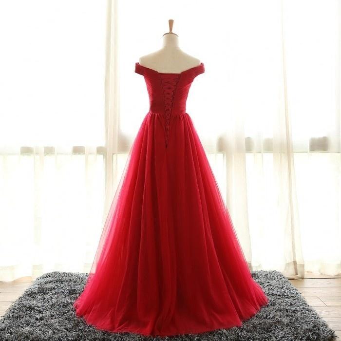 robe cérémonie rouge longue en tulle épaule dénudée avec laçage au dos