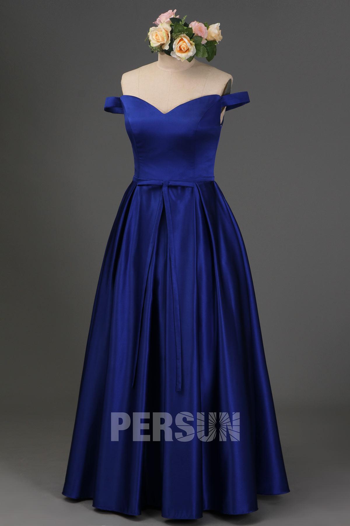 Robe cérémonie longue bleu roi épaule dénudée en satin