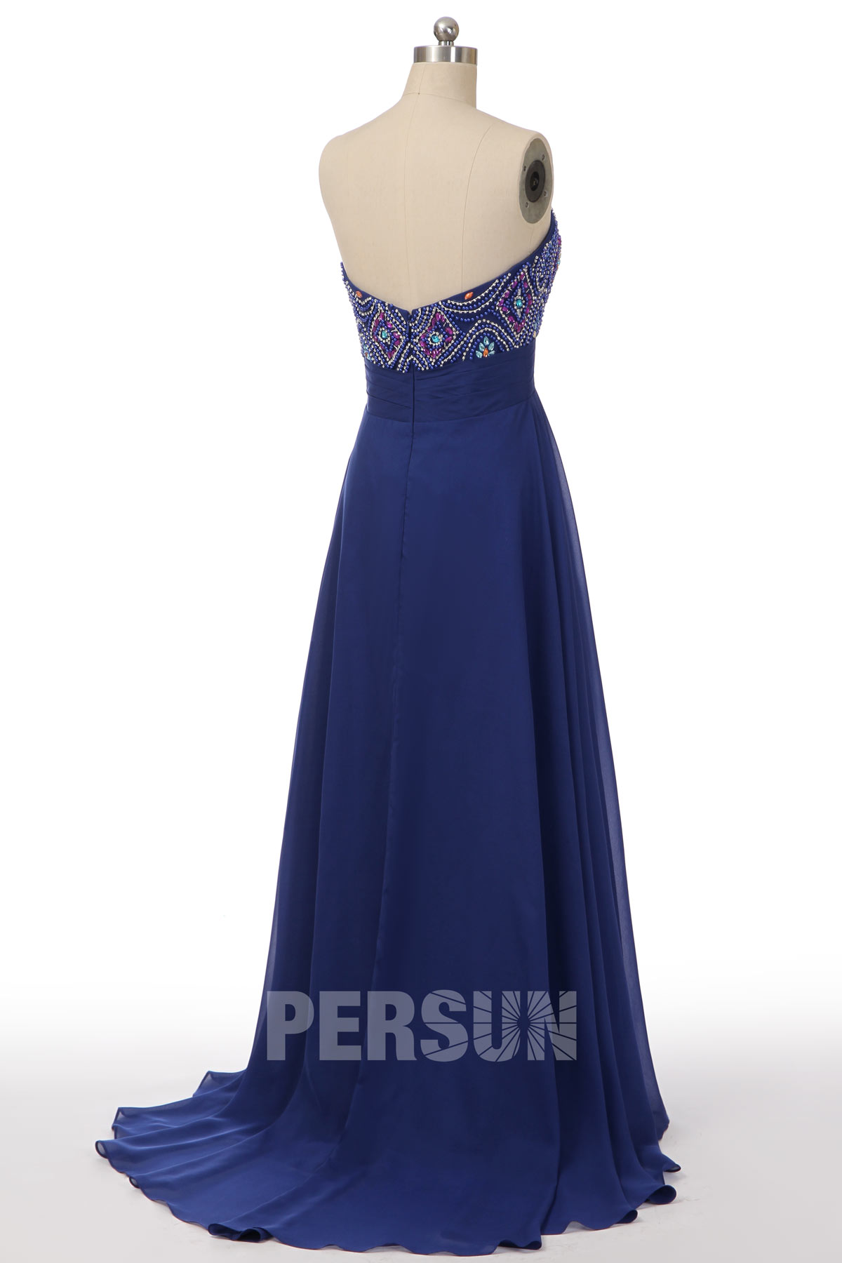 Robe de gala bleu roi longue bustier coeur orné de bijoux style baroque