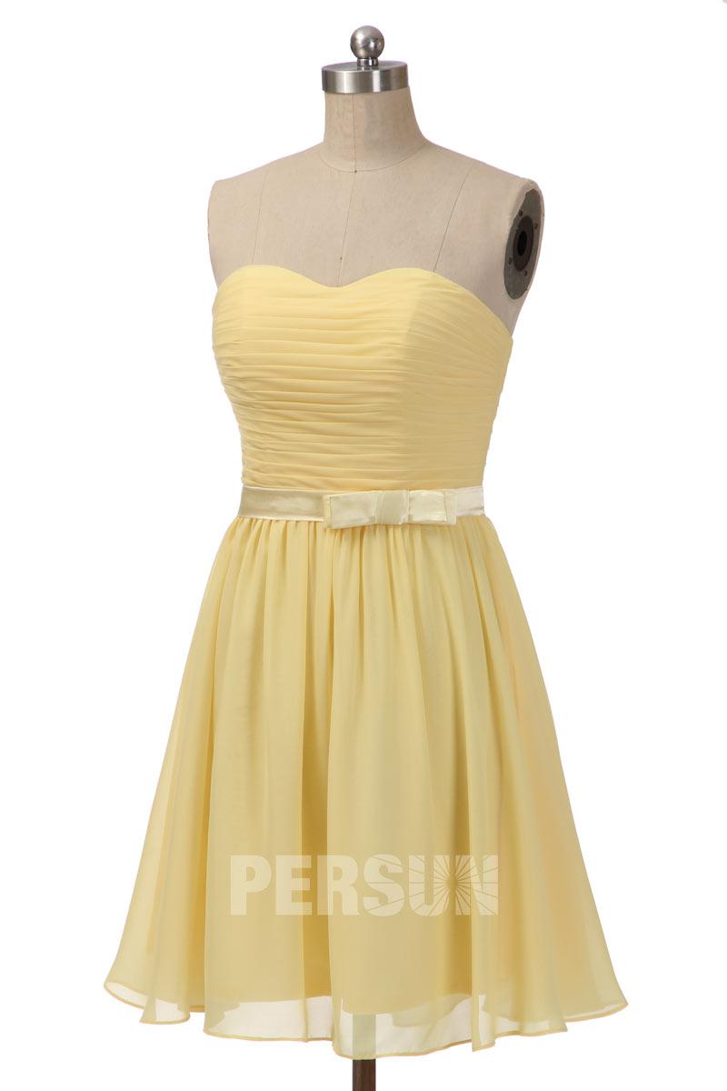 robe de cocktail courte jaune bustier coeur plissé ceinture embelli de noeud papillon
