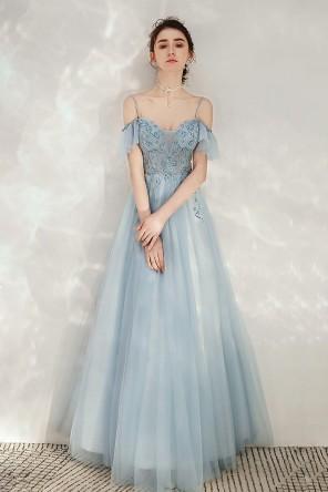 Robe soirée fantaisie bleu épaule dégagée à volant travaillé de bijoux