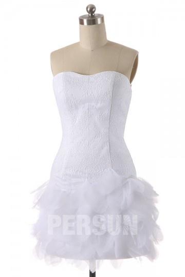 Petite robe mariée bustier dentelle jupe à volants
