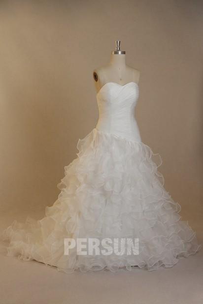 Robe de mariée moderne bustier coeur à jupe froufrou en organza