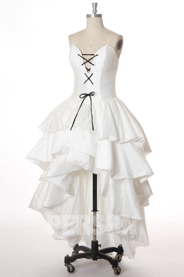 Robe de mariée moderne courte devant longue derrière lacets noir