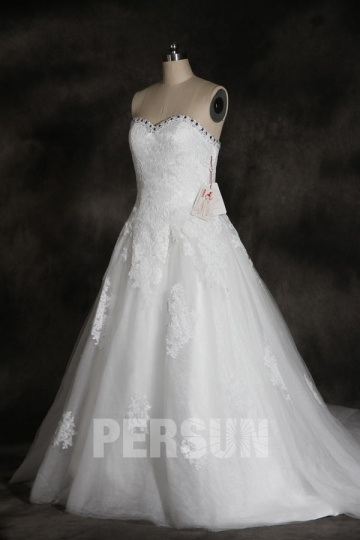 Robe de mariée princesse en dentelle vintage florale