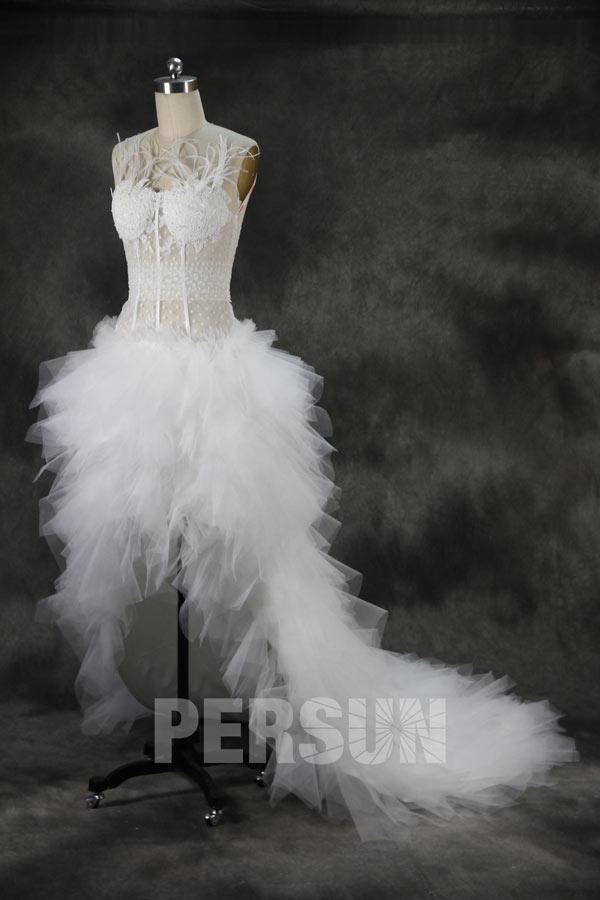 robe de mariée sexy moderne courte devant longue derrière en dentelle guipure transparent plumé