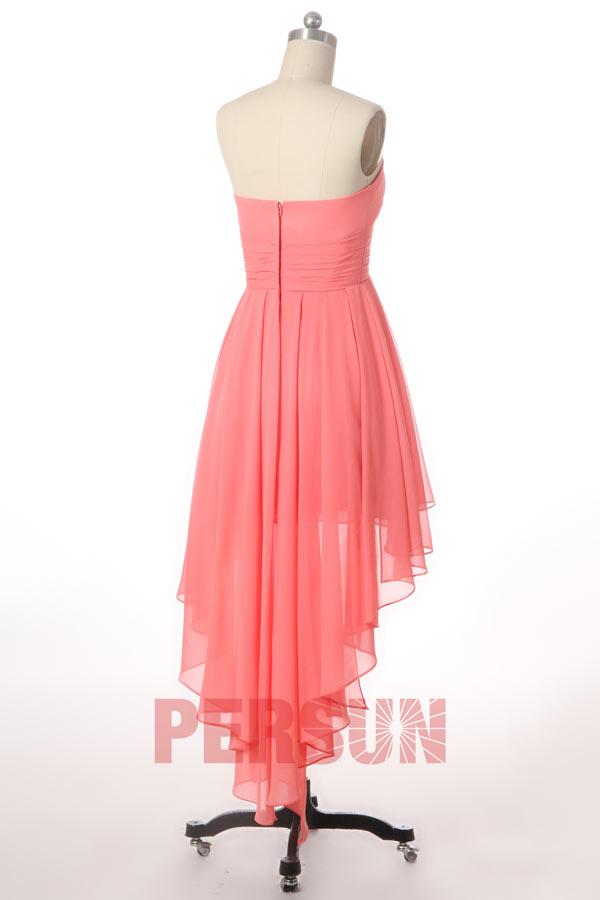 Robe corail de courte au genou pour mariage d'été