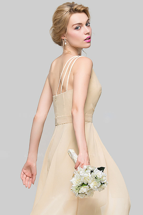Chic robe champagne aux bretelles fines