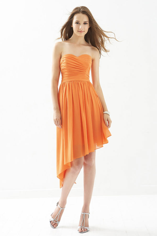 Simple robe orange bustier coeur pour demoiselle d'honneur