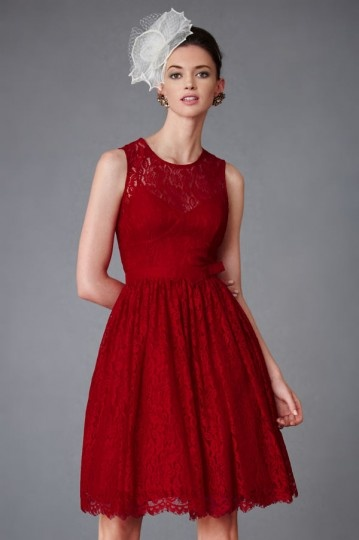 robe soirée bordeaux courte en dentelle