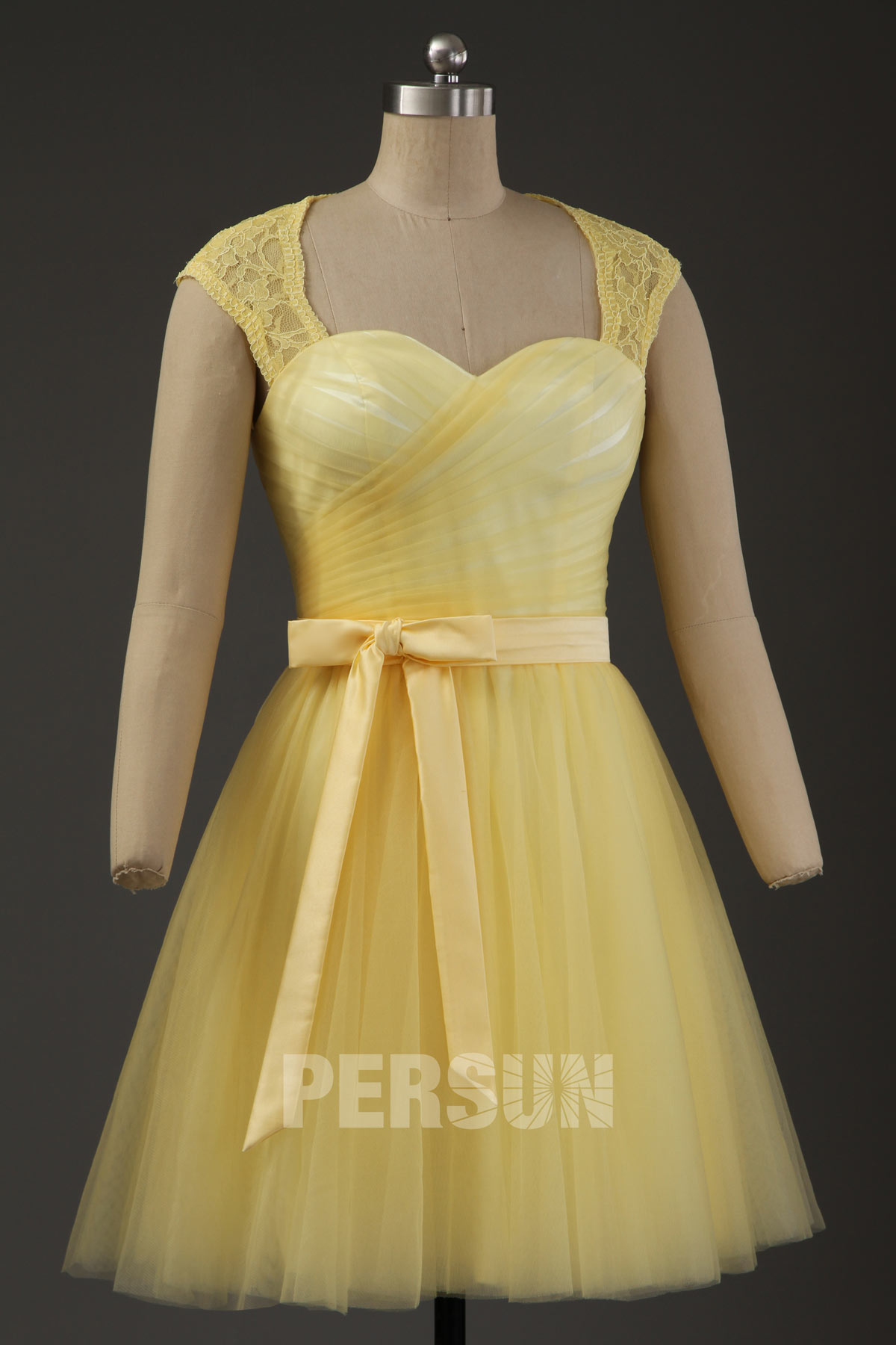 robe cocktail encolure queen anne tulle jaune