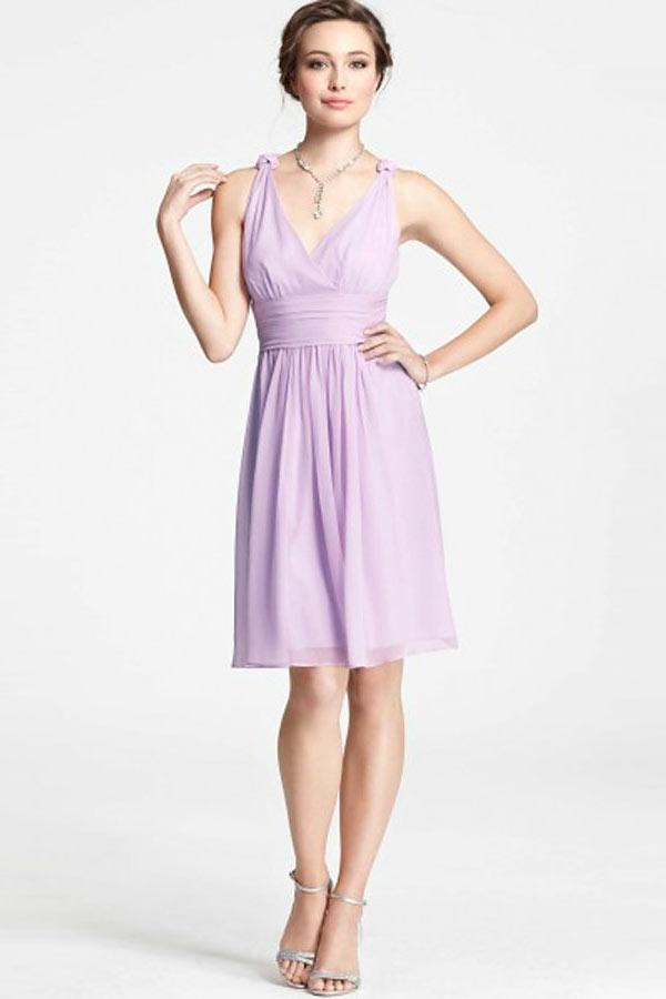 1fa5a5a4502 Robe violet courte col V en mousseline pour cérémonie mariage ...