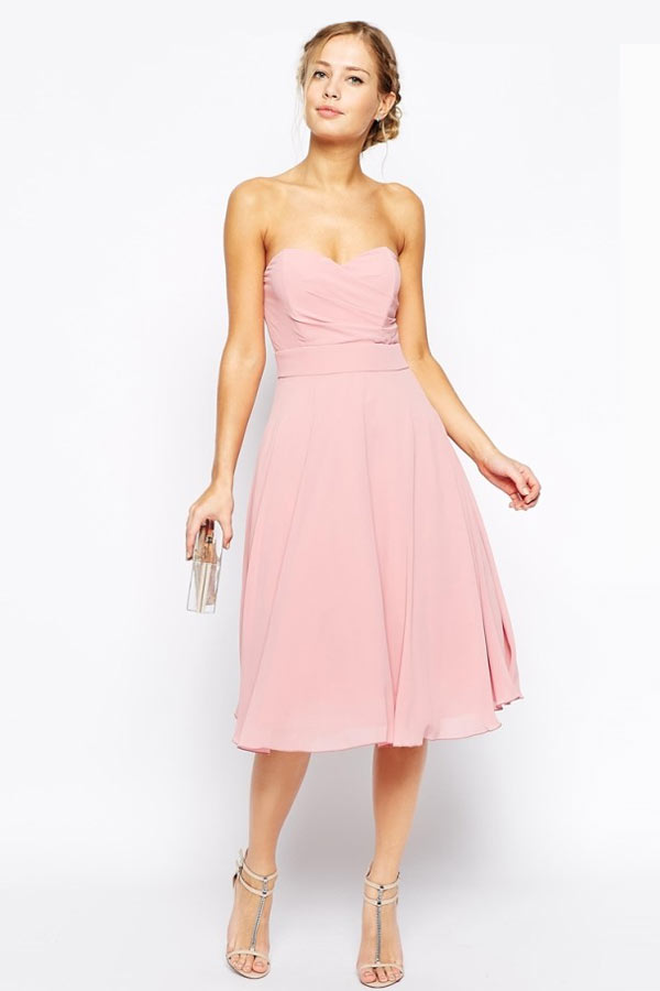 robe de cocktail mi-longue rose poudré bustier simple