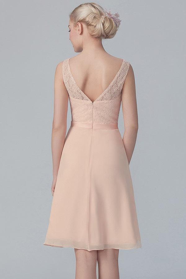 chic robe rose nude haut couvert de dentelle courte