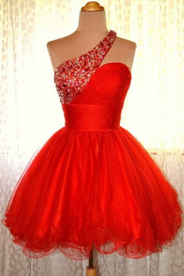 petite robe rouge tutu asymétrique orné de strass