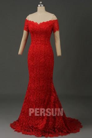 Robe de mariée sirène rouge bardot en dentelle guipure