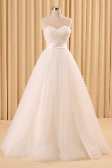 Classique Robe de mariée princesse bordeaux bustier coeur & empire