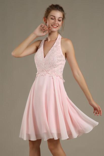 robe de cocktail rose courte col halter appliqué de dentelle