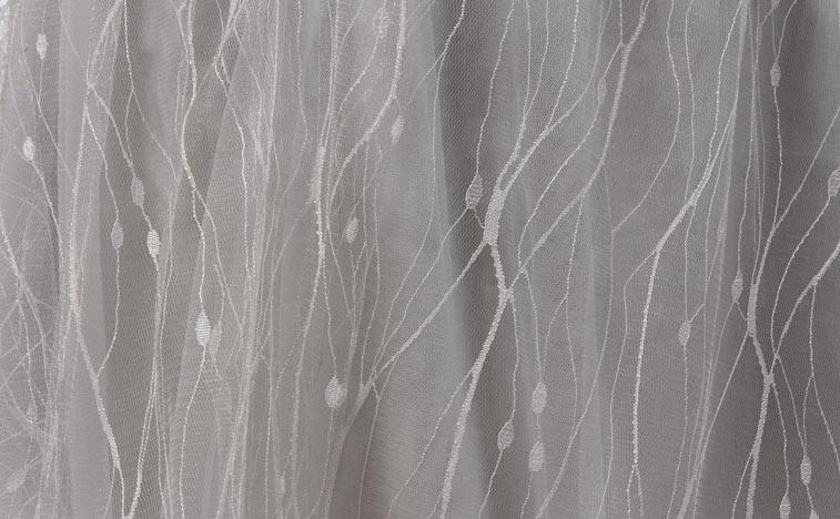 detail dentelle gris argenté
