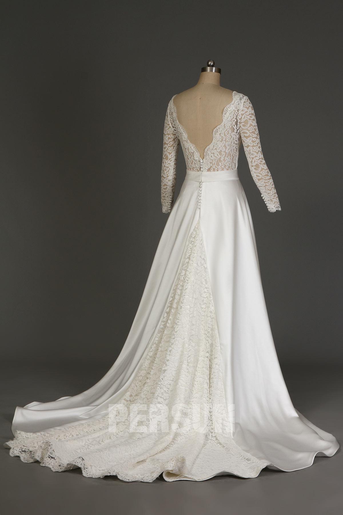robe mariée vintage en dentelle dos en v plongeant avec manches longue transparentes
