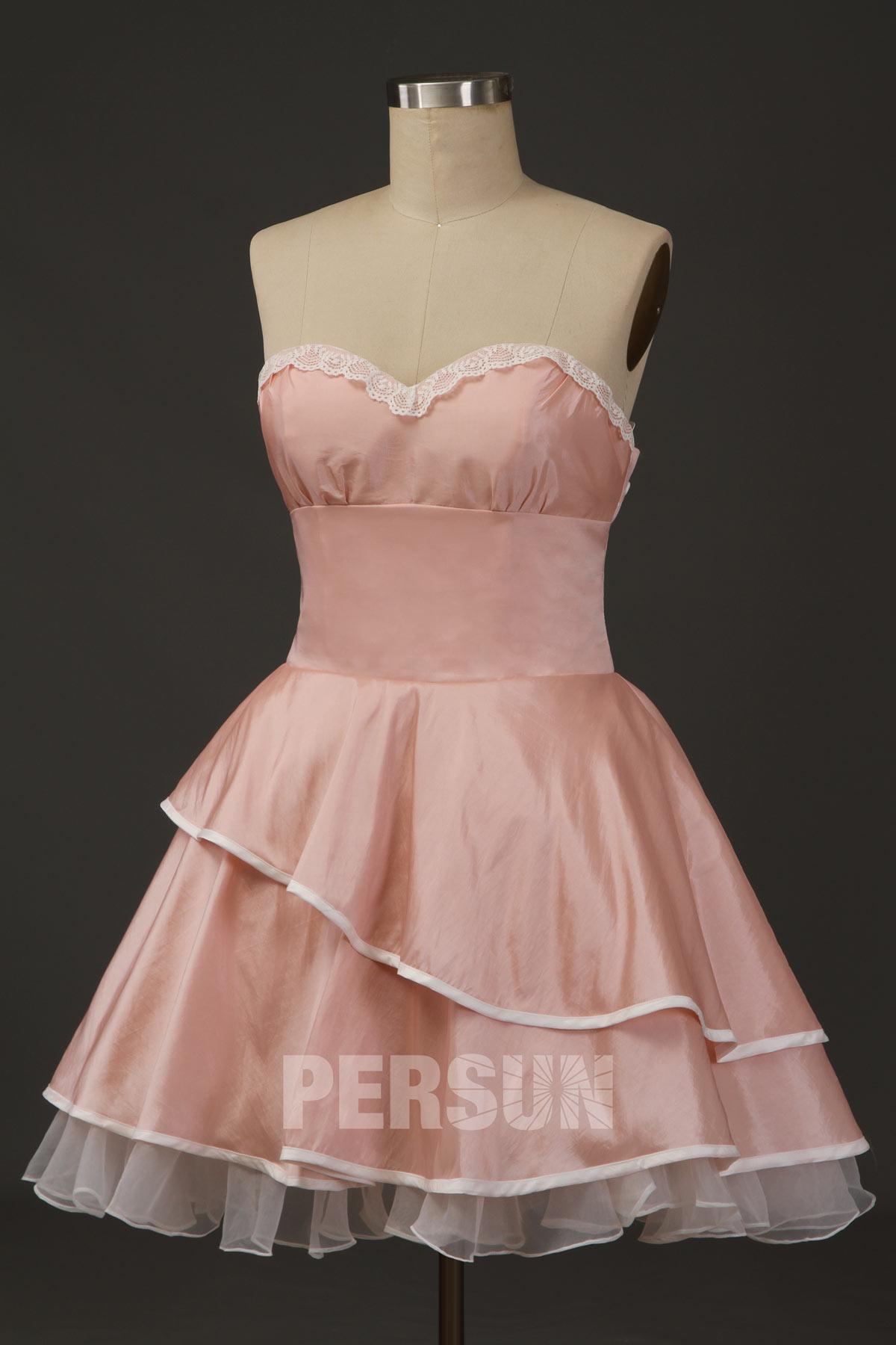 robe de cocktail rose poudré courte lolita bustier coeur jupe volant embelli de dentelle