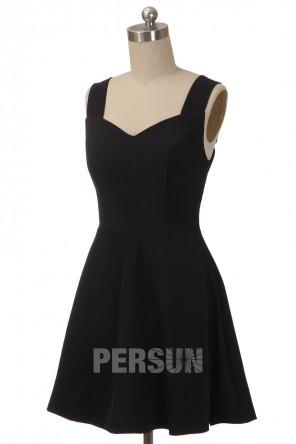 Petite robe noire patineuse en jersey aux bretelles larges