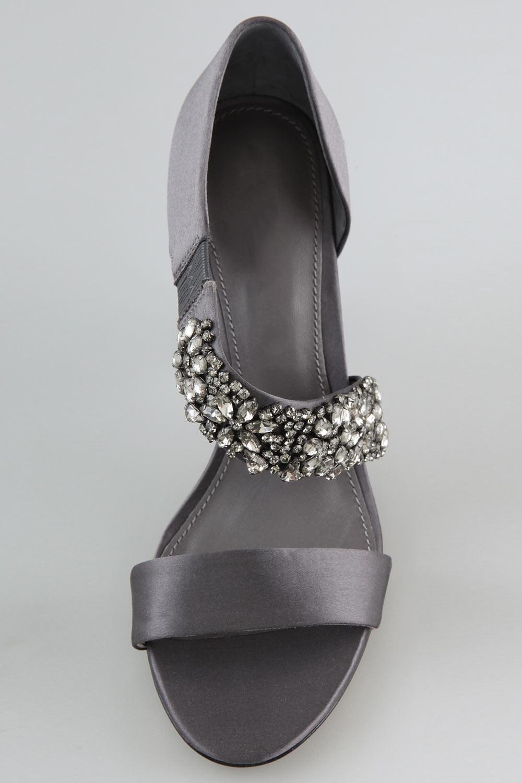 chaussures ouvertes avec une bande en strass