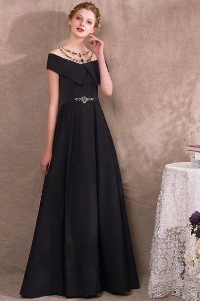 robe de soirée noire princesse encolure illusion