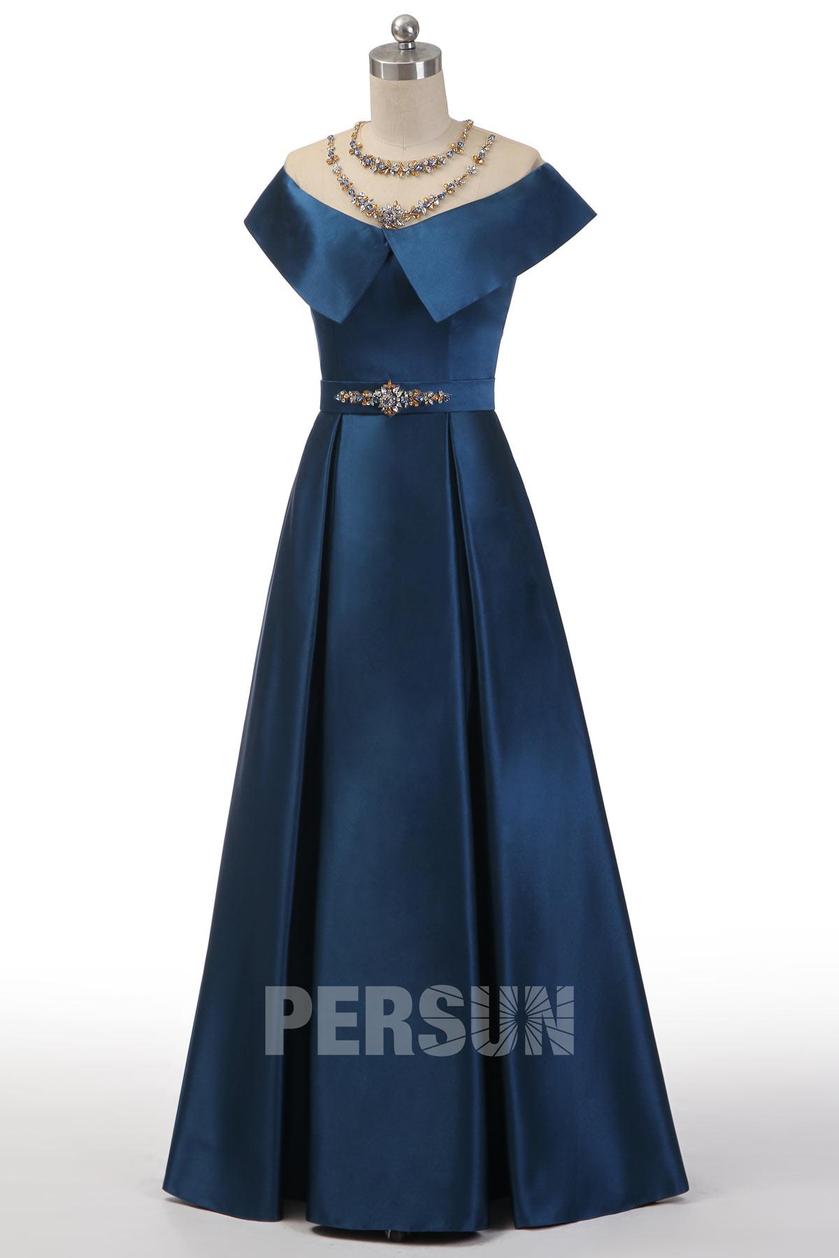 robe de bal bleu nuit longue épaule dénudée embelli de strass exuqis